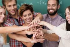 Asociaciones y entidades relacionadas con niñ@s y/o adolescentes.