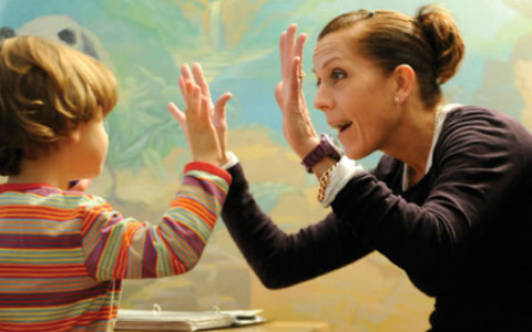 Terapias para niños autistas saldrían del sistema de salud (Colombia)