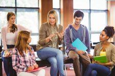 """Sesiones de Asesoramiento escolar y laboral. Programa """"ACLARANDO IDEAS""""."""